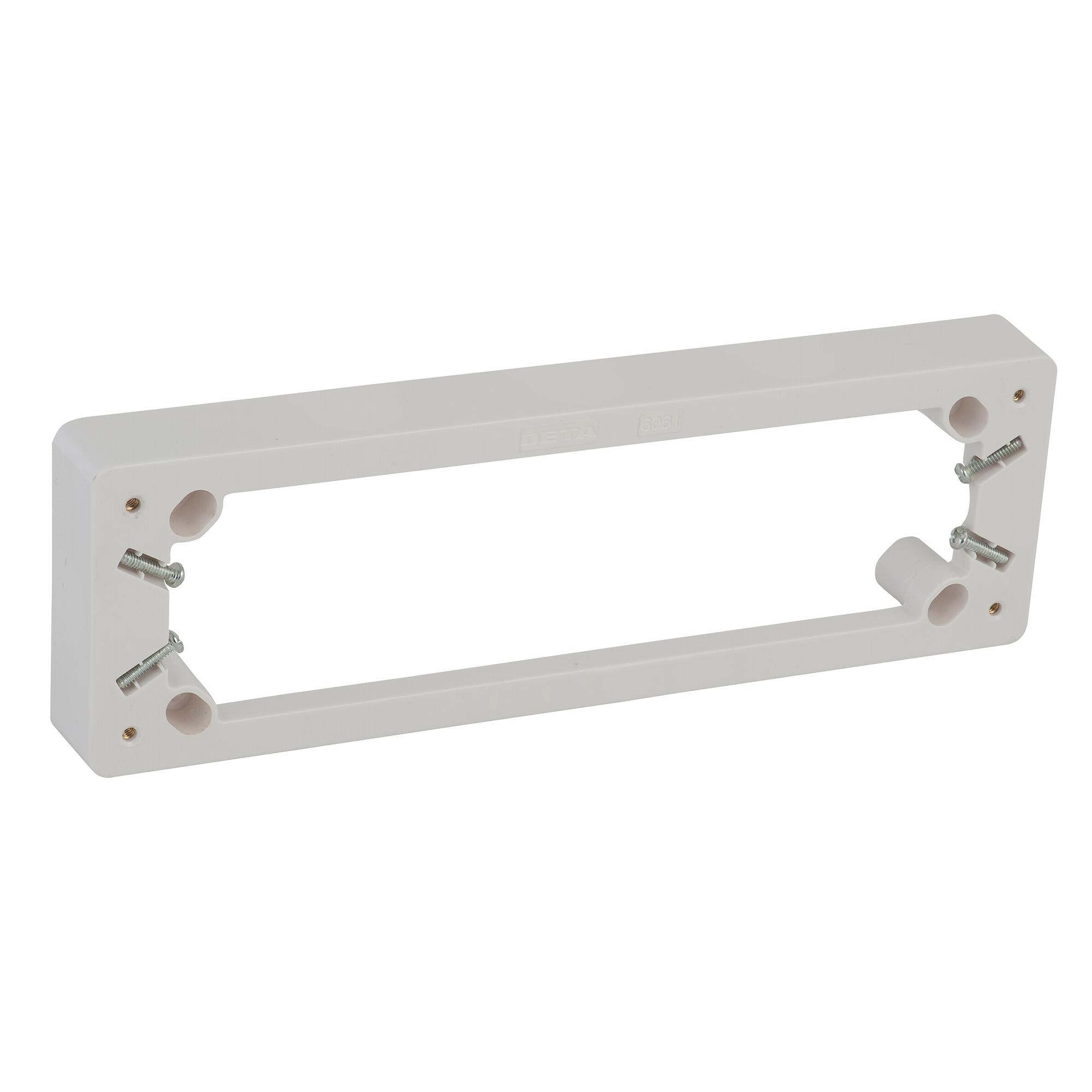 Deta 5 outlet mounting block